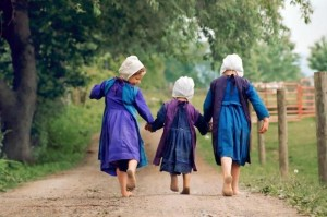 Photography: Three Amish Girls